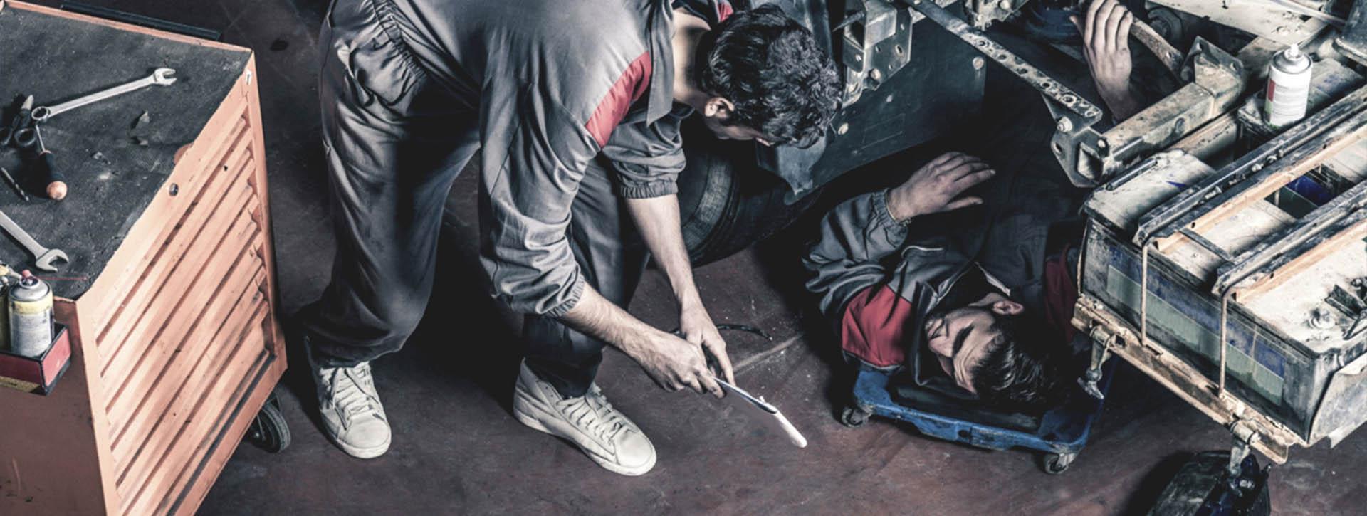 controllo e sostituzione pneumatici